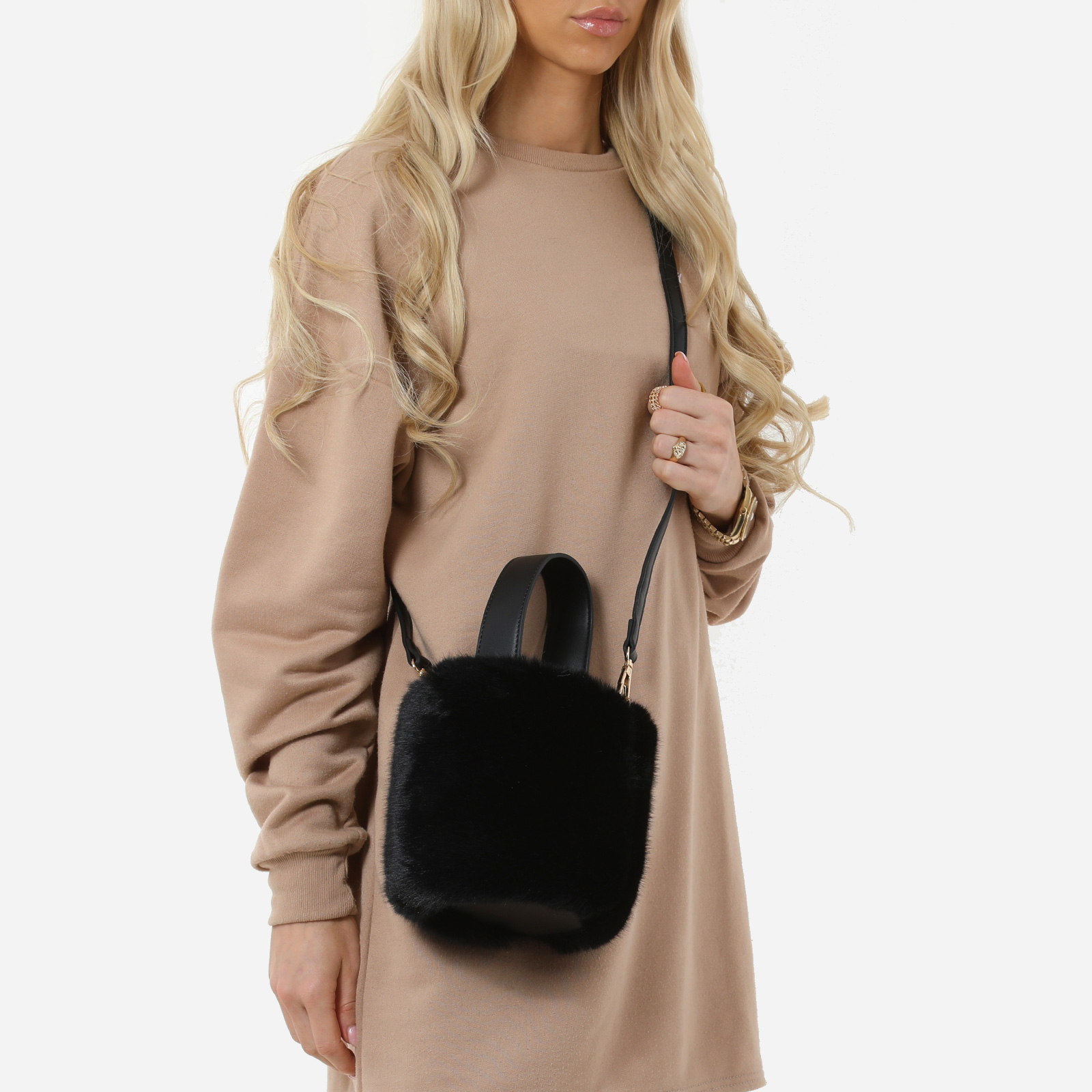 Bucket Bag In Black Faux Fur