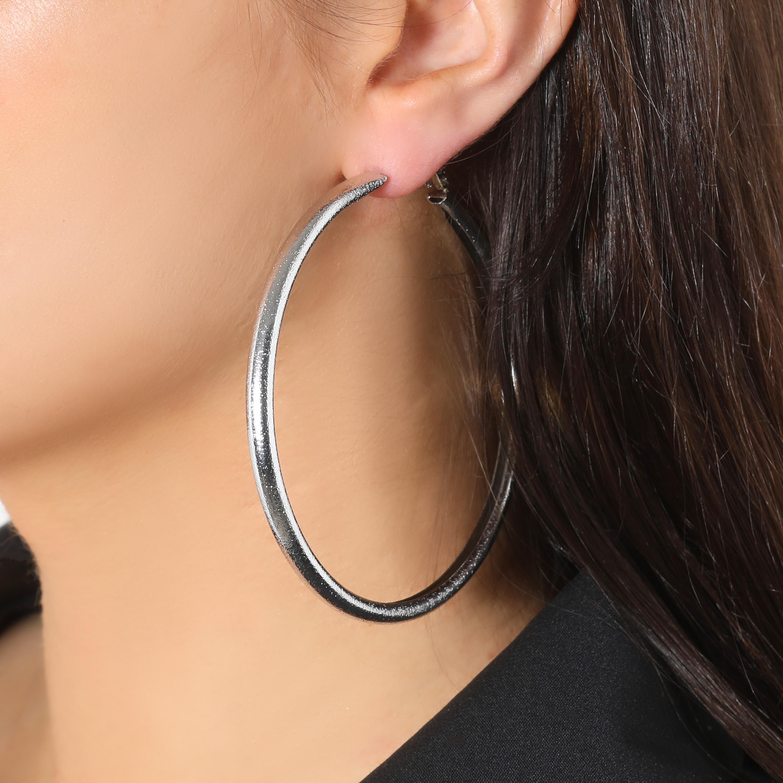 Basic Hoop Earrings In Silver
